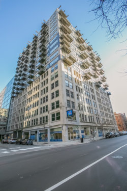 Photo of 565 W Quincy Street, Unit Number 916, CHICAGO, IL 60661 (MLS # 09816852)