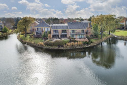 Photo of 14 The Court Of Island, NORTHBROOK, IL 60062 (MLS # 09817440)