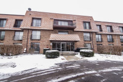 Photo of 3950 Dundee Road, Unit Number 109, NORTHBROOK, IL 60062 (MLS # 09828637)