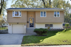 Photo of 1405 Cabot Lane, SCHAUMBURG, IL 60193 (MLS # 09831174)