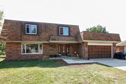 Photo of 1524 Baker Place, Downers Grove, IL 60516 (MLS # 09833046)