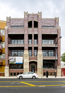 Photo of 5061 N Lincoln Avenue, Unit Number 301, CHICAGO, IL 60625 (MLS # 09833769)
