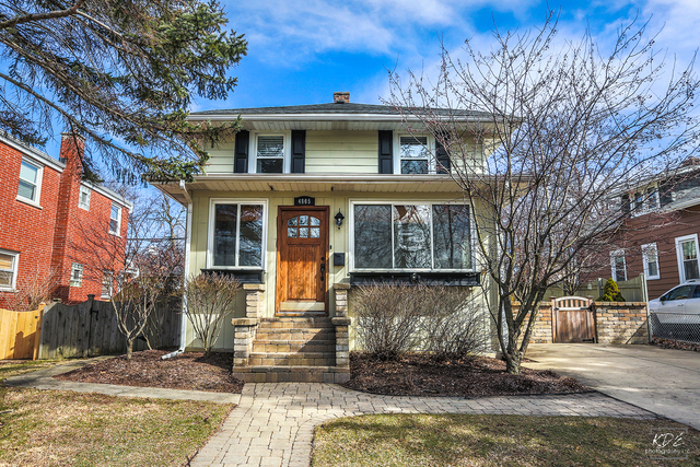Photo for 4805 Stanley Avenue, DOWNERS GROVE, IL 60515 (MLS # 09881610)