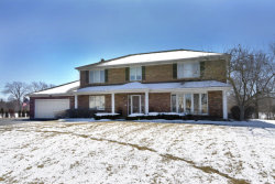 Photo of 810 Derbyshire Lane, PROSPECT HEIGHTS, IL 60070 (MLS # 09885579)