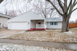 Photo of 540 Emerson Circle, BOLINGBROOK, IL 60440 (MLS # 09887964)