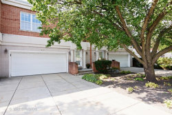 Photo of 427 Town Place Circle, BUFFALO GROVE, IL 60089 (MLS # 09893176)