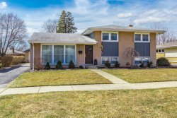 Photo of 910 N Stratford Road, ARLINGTON HEIGHTS, IL 60004 (MLS # 09893479)