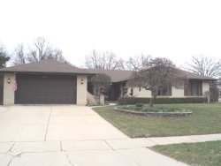 Photo of 635 Stanford Circle, ELK GROVE VILLAGE, IL 60007 (MLS # 09915641)