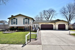 Photo of 7425 Richmond Avenue, DARIEN, IL 60561 (MLS # 09916420)