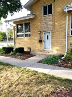 Photo of 1529 N Arlington Heights Road, Unit Number A, ARLINGTON HEIGHTS, IL 60004 (MLS # 09920137)