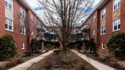 Photo of 6417 N Damen Avenue, Unit Number 3W, CHICAGO, IL 60645 (MLS # 09924223)