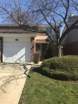 Photo of 1251 Edinburgh Court, WHEATON, IL 60189 (MLS # 09925587)