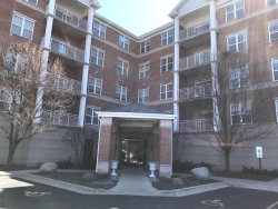 Photo of 101 Pointe Drive, Unit Number 105, NORTHBROOK, IL 60062 (MLS # 09928573)