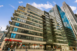 Photo of 130 S Canal Street, Unit Number 619, CHICAGO, IL 60606 (MLS # 09931126)