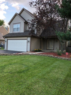 Photo of 1392 Geneva Court, BARTLETT, IL 60103 (MLS # 09956169)