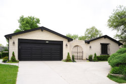 Photo of 4113 Chester Drive, GLENVIEW, IL 60026 (MLS # 09987998)