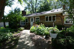Photo of 104 Alton Road, PROSPECT HEIGHTS, IL 60070 (MLS # 10003357)