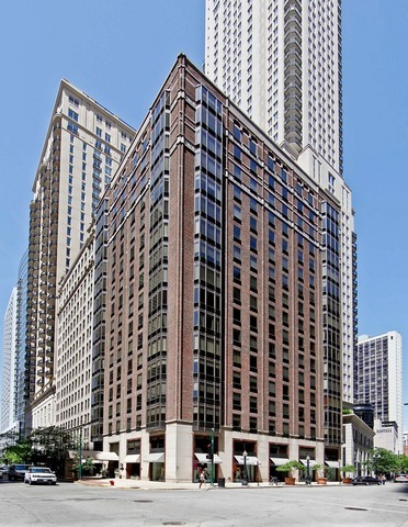 Photo for 40 E Delaware Place, Unit Number 1505, CHICAGO, IL 60611 (MLS # 10011226)