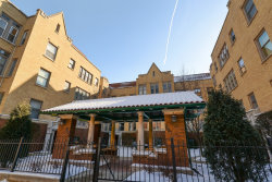 Photo of 627 W Addison Street, Unit Number 2, CHICAGO, IL 60613 (MLS # 10019273)