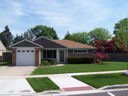 Photo of 1097 W Villa Drive, DES PLAINES, IL 60016 (MLS # 10019637)