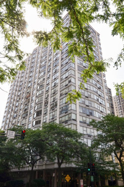 Photo of 5757 N Sheridan Road, Unit Number 8A, CHICAGO, IL 60660 (MLS # 10020336)