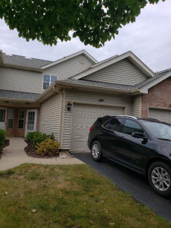 Photo of 194 Golfview Drive, GLENDALE HEIGHTS, IL 60139 (MLS # 10021465)