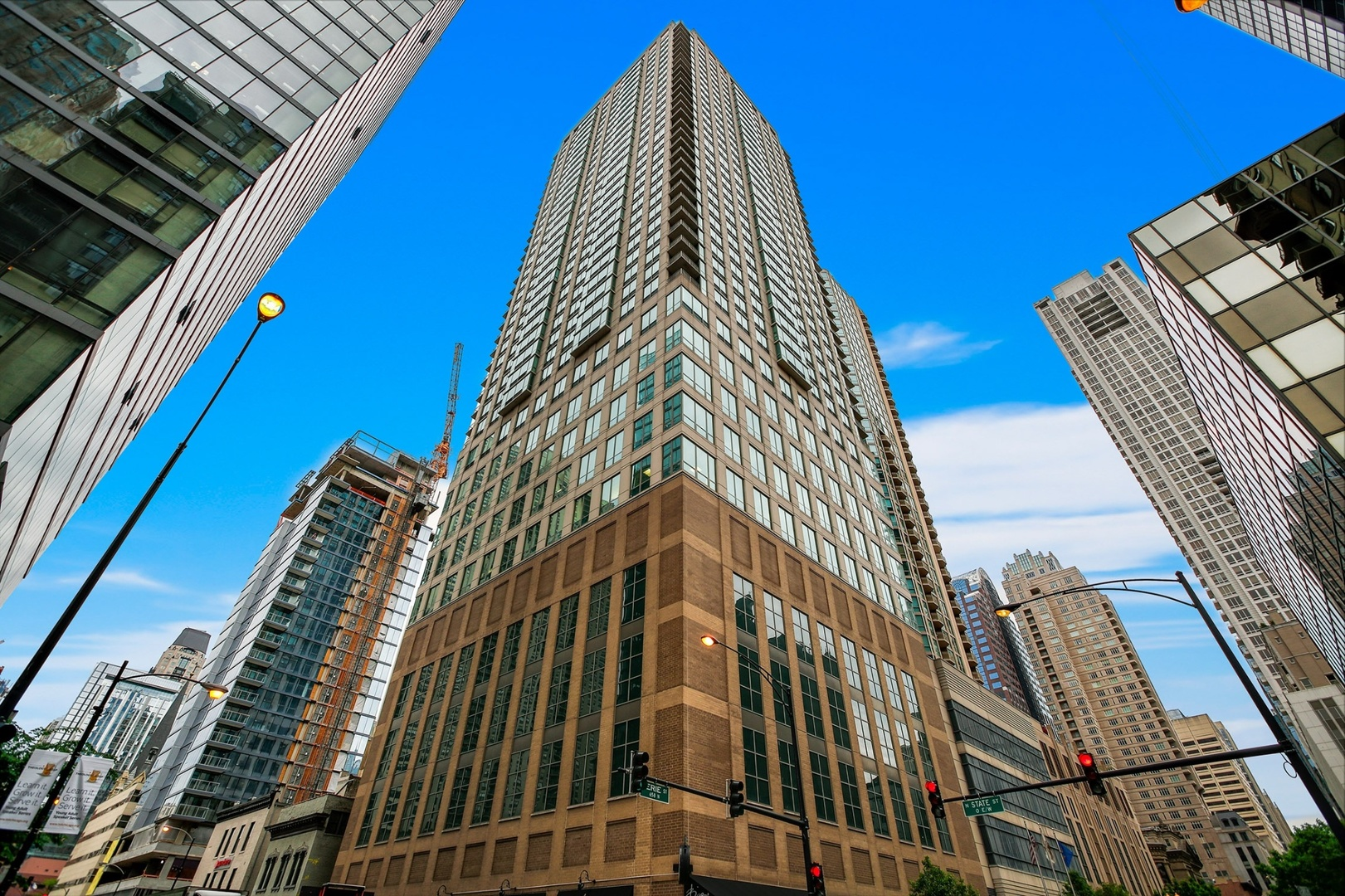 Photo for 2 E Erie Street, Unit Number 3609, CHICAGO, IL 60611 (MLS # 10045128)
