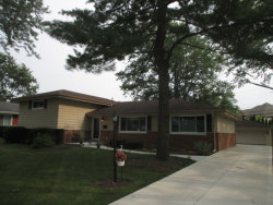 Photo of 3795 Gregory Drive, NORTHBROOK, IL 60062 (MLS # 10053279)