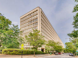 Photo of 1400 E 55th Place, Unit Number 903S, CHICAGO, IL 60637 (MLS # 10056382)
