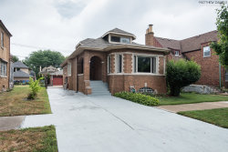 Photo of 9533 S Oakley Avenue, CHICAGO, IL 60643 (MLS # 10057813)