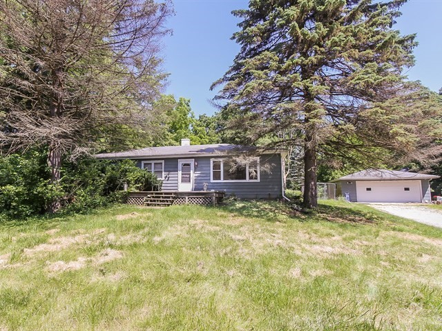Photo for 35W328 Ridge Road, DUNDEE, IL 60118 (MLS # 10073028)