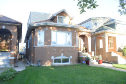 Photo of 2937 N Kilbourn Avenue, CHICAGO, IL 60641 (MLS # 10084446)