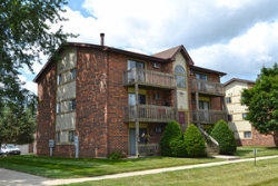 Photo of 417 Berkshire Drive, Unit Number 36, CRYSTAL LAKE, IL 60014 (MLS # 10135083)