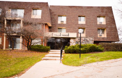Photo of 2 Villa Verde Drive, Unit Number 2-202, Buffalo Grove, IL 60089 (MLS # 10136321)