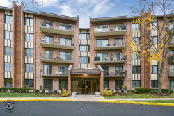 Photo of 701 Lake Hinsdale Drive, Unit Number 501, WILLOWBROOK, IL 60527 (MLS # 10139003)