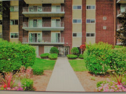 Photo of 2900 Maple Avenue, Unit Number 12E, DOWNERS GROVE, IL 60515 (MLS # 10147248)