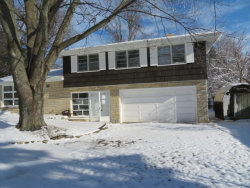 Photo of 2511 N Mcaree Road, WAUKEGAN, IL 60087 (MLS # 10148807)