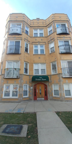 Photo of 3916 N Kedvale Avenue, Unit Number 1W, CHICAGO, IL 60641 (MLS # 10152417)