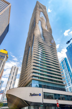 Photo of 225 N Columbus Drive, Unit Number 6807, CHICAGO, IL 60601 (MLS # 10152457)