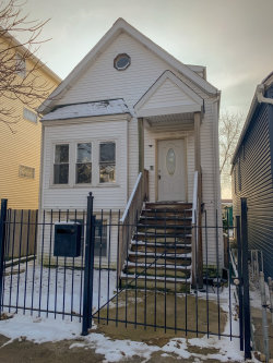Photo of 2437 W Fletcher Street, CHICAGO, IL 60618 (MLS # 10153766)