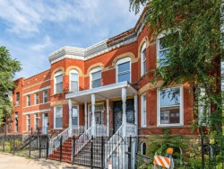 Photo of 2922 W Warren Boulevard, CHICAGO, IL 60612 (MLS # 10163415)