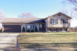 Photo of 5701 Bedford Court, HANOVER PARK, IL 60133 (MLS # 10165417)