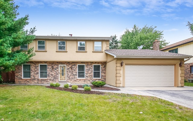 Photo for 1250 Oak Hill Road, DOWNERS GROVE, IL 60515 (MLS # 10171340)