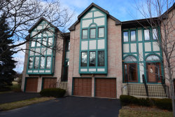 Photo of 963 W Essex Place, ARLINGTON HEIGHTS, IL 60004 (MLS # 10171522)