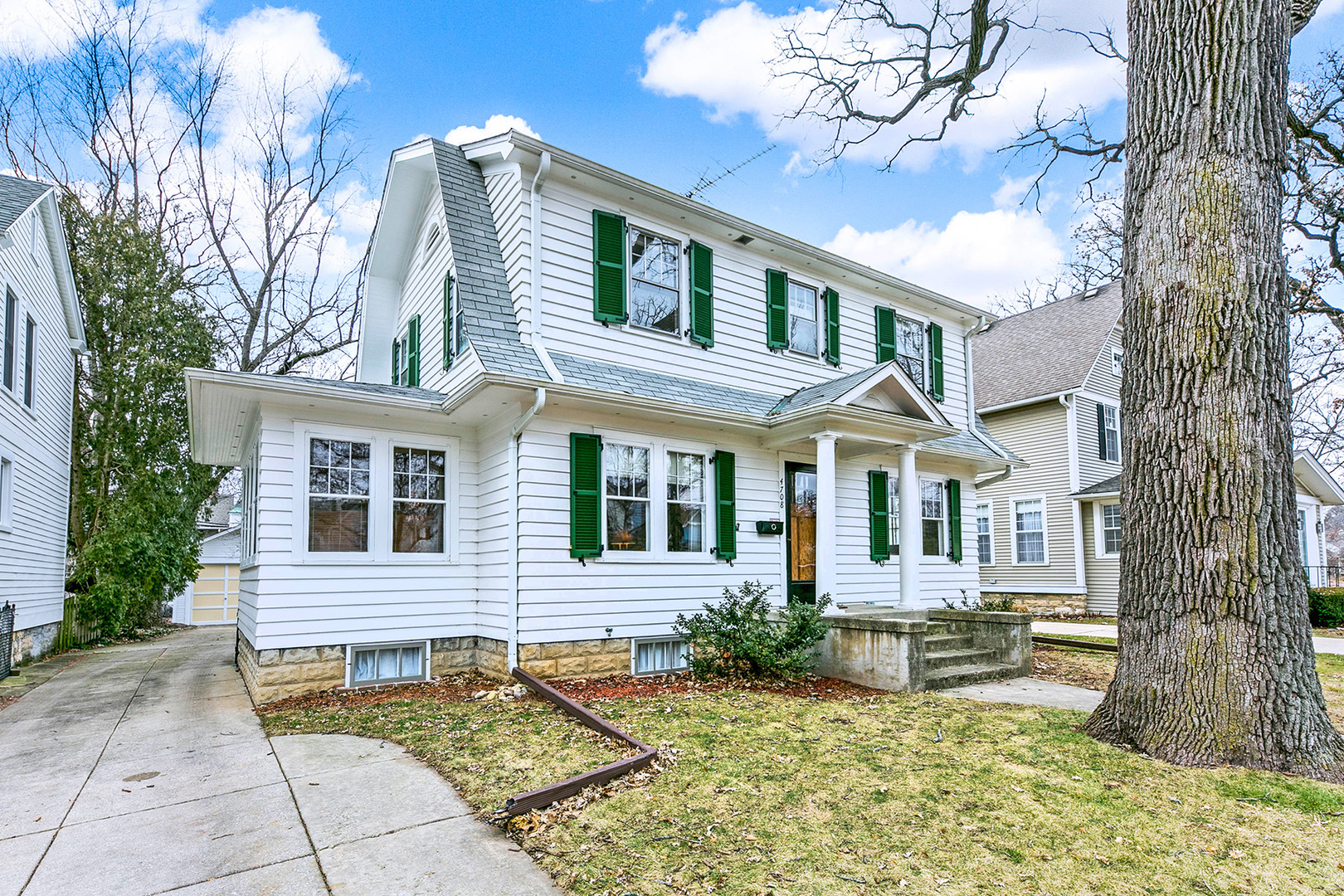 Photo for 4708 Middaugh Avenue, DOWNERS GROVE, IL 60515 (MLS # 10172491)
