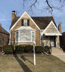 Photo of 6153 N Kedvale Avenue, CHICAGO, IL 60646 (MLS # 10253903)