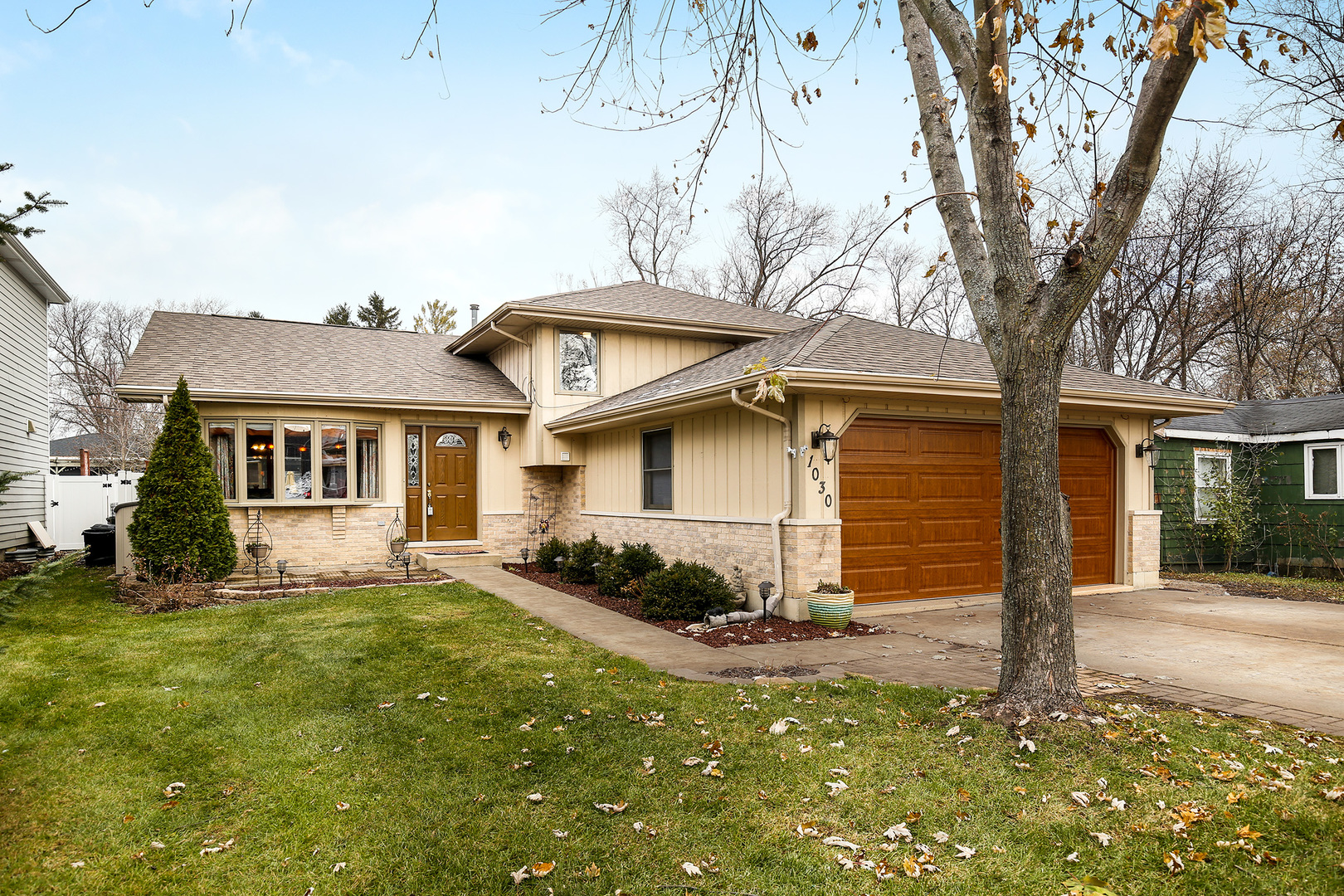 Photo for 1030 Saylor Street, DOWNERS GROVE, IL 60516 (MLS # 10266758)