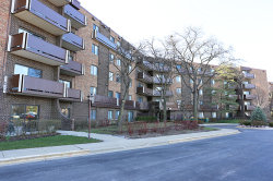 Photo of 840 Wellington Avenue, Unit Number 409, ELK GROVE VILLAGE, IL 60007 (MLS # 10268442)