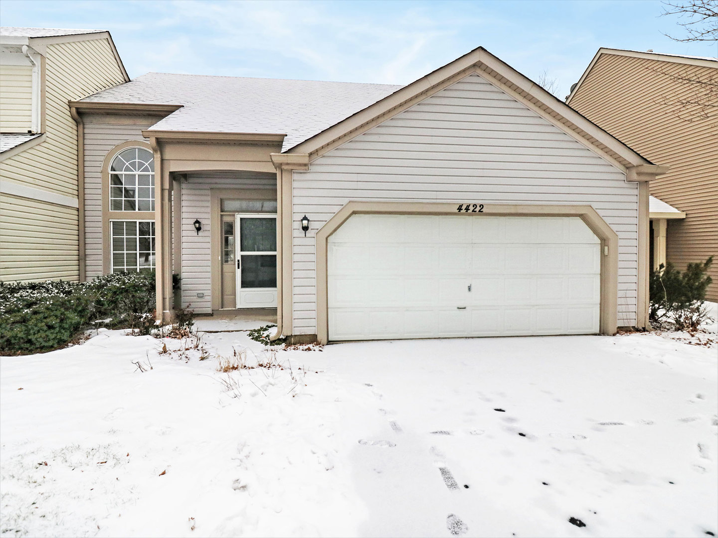 Photo for 4422 Larkspur Lane, LAKE IN THE HILLS, IL 60156 (MLS # 10268725)
