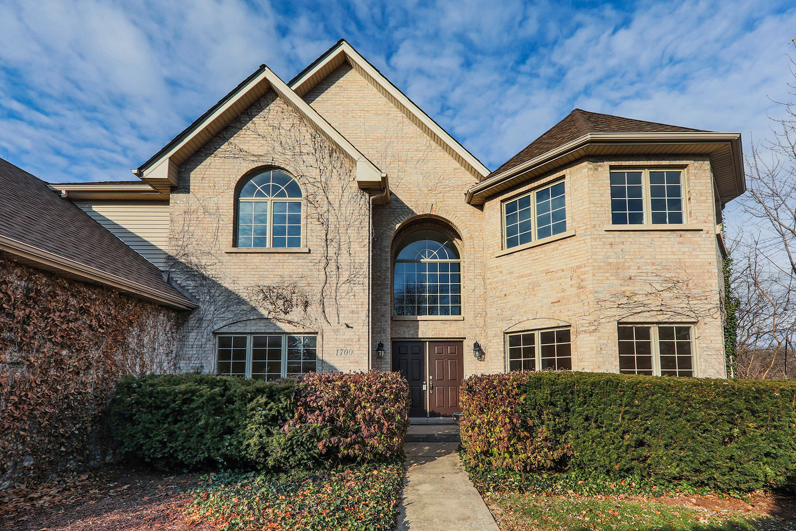 Photo for 1700 Maple Avenue, DOWNERS GROVE, IL 60515 (MLS # 10268866)